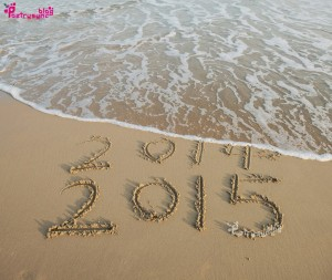 2015-Wishes-Written-with-Finger-on-Beach-Sand-New-Year